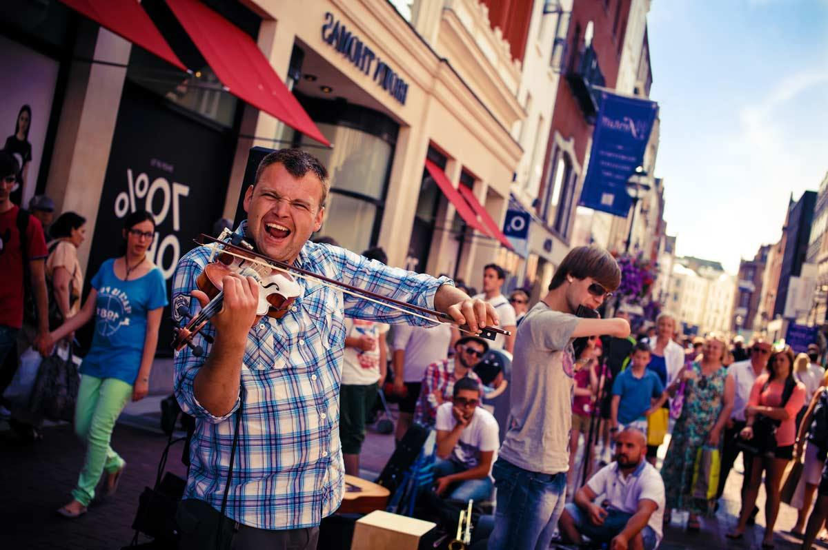 Viajar Al Extranjero La App De Moda Para Viajar Por Europa: 5 Ventajas De Estudiar Y Trabajar En Irlanda